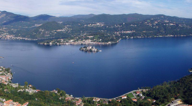 Lago d'Orta da Madonna del Sasso foto di Giorgio Caione